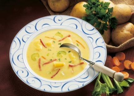 Suppen-Rezept: Kartoffelschaumsuppe mit Trüffelöl