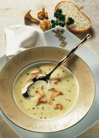 Suppen-Rezept: Gourmet-Käsecremesuppe mit Pfifferlingen - Foto: Wirths PR