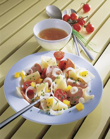Party-Salat: Allgäuer Wurstsalat - Foto: Wirths PR