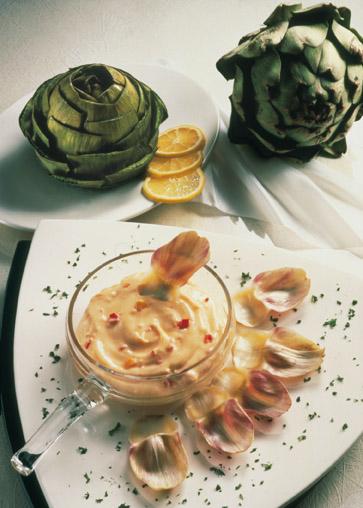Snack-Rezept: Artischocken mit Knoblauch-Dip (Vegetarier geeignet) - Foto: Wirths PR