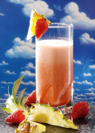 Erdbeer-Ananas-Drink mit Acerola - Foto: Wirths PR