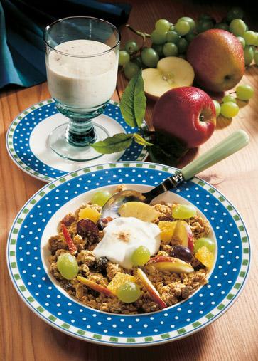 Müsli-Rezept: Fitness-Müsli mit Vitamindrink (Vegetarier geeignet) - Foto: Wirths PR
