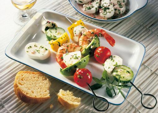 Snack-Rezept: Marinierte Spieße mit Mozzarella (Klasse auf dem Party-Buffet) - Foto: Wirths PR