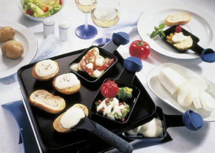 Snack-Rezept: Raclette à la Mozzarella mit Variationen - Foto: Wirths PR