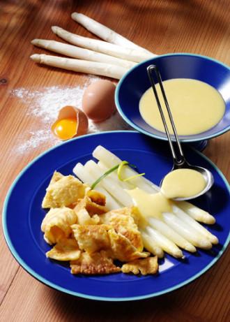Spargel mit Kratzete (Vegetarier geeignet) - Foto: Wirths PR