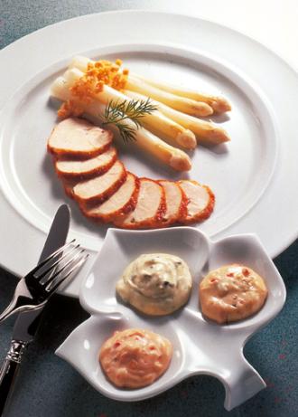 Spargelteller mit Huhn - Foto: Wirths PR