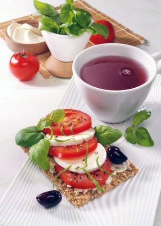 Snack-Rezept: Gourmetschnitte mit Mozzarella (Vegetarier geeignet) - Foto Wirths PR