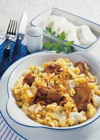 Hauptgericht: Käs'spatzn mit Schweinefilets - Foto: Wirths PR