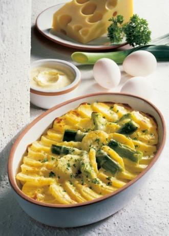 Hauptgericht: Kartoffel-Lauch-Gratin (Vegetarier geeignet) - Foto: Wirths PR