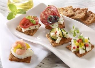 Snack-Rezept: Knäckebrot-Ciabatta (auch für Buffets geeignet) - Foto: Wirths PR / Dr. Karg Genießer-Knäckebrot