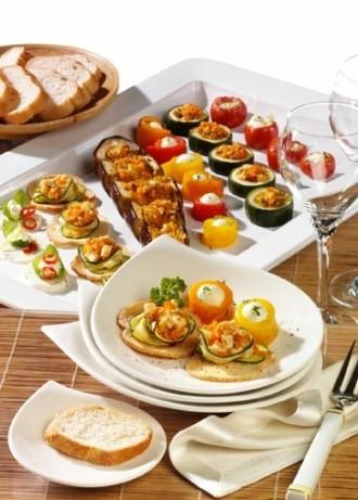 Snack-Rezept: Leichte Sommersnacks mit Brotchips (Vegetarier geeignet) - Foto: Wirths PR