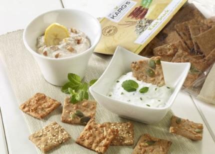 Dip-Rezept: Orientalische Dips (Vegetarier geeignet) - Foto: Wirths PR / Dr. Karg Genießer-Knäckebrot