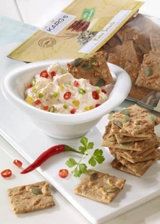 Dip-Rezept: Paprika-Dip (Vegetarier geeignet) - Foto: Wirths PR / Dr. Karg Genießer-Knckebrot