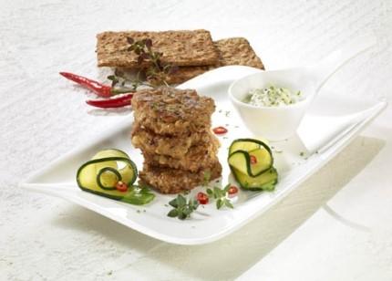Die Rezeptewelt - Vegetarische Küche: Veggie-Burger mit Joghurt-Dip - Foto: Wirths PR