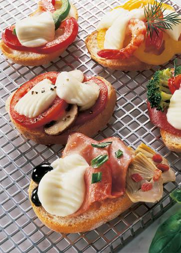 Snack-Rezept: Ciabatta mit Mozzarella - Rezept mit Variationen (auch als Party-Happen geeignet) - Foto: Wirths PR