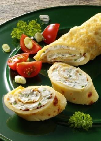 Griechische Vorspeise: Pfannkuchen-Röllchen mit Feta-Füllung (Vegetarier geeignet)